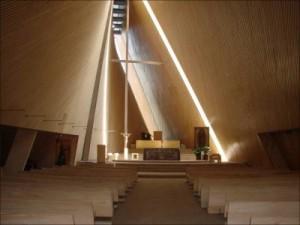 Vista de la nave de la iglesia de san Josemaría