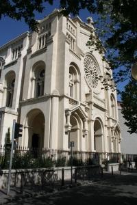 Fachada de la basílica del Sacré-Coeur de Marsella.