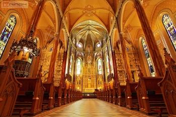 La nave central de la basílica de St. Patrick.