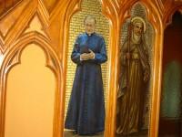 Imagen de san Josemaría en una de las paredes de St. Partick basilica's, en Montreal