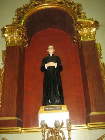 statue-of-st-josemaria-escriva-nasugbu-philippines+1152_13348715911-tpfil02aw-22255