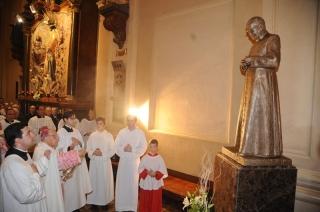Imagen de san Josemaría en la parroquia de Santa Engracia de Zaragoza