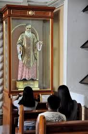 Imagen de san Josemaría en la capilla de los santos, en la catedral de Malolos